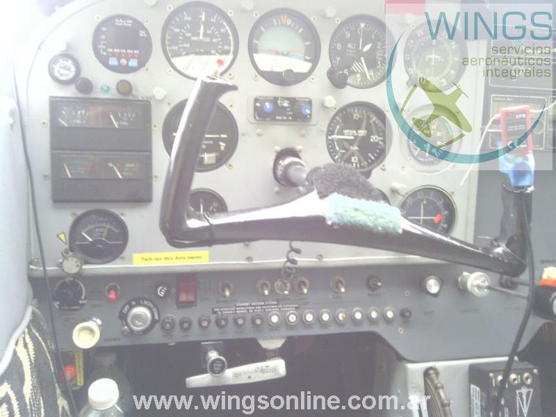 Cessna 172K Skyhawk – Reservado